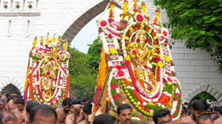All the way to Shankhumugham - Aarattu Procession of Lord Padmanbha