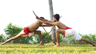 Mara Pidicha Kuntham or |Sword and Shield vs Spear Fight