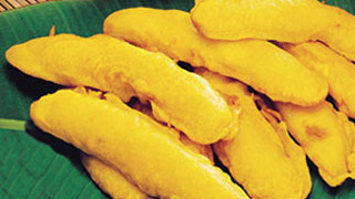 Pazhampori or  Banana Fritter