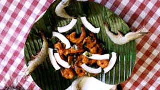 Prawns fry or Chemmeen Varuthathu