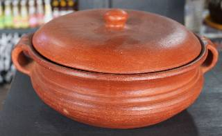 CURRY POT (CLAY)