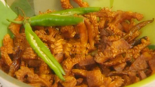 Bitter Gourd Fry or Pavakka Varuthathu